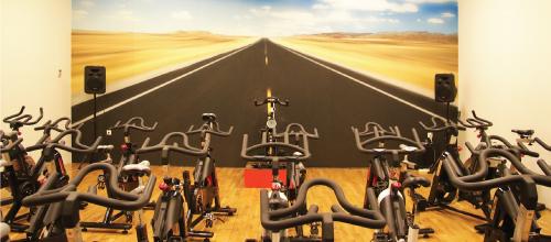"""<img src=""""http://fitnessclub.pt/wp-content/uploads/2016/09/bikeindoor.png"""" width=""""100"""" height=""""21"""" title=""""BIKEINDOOR""""/>"""